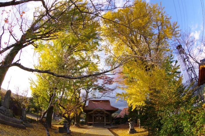 秋吉嘉万の神社