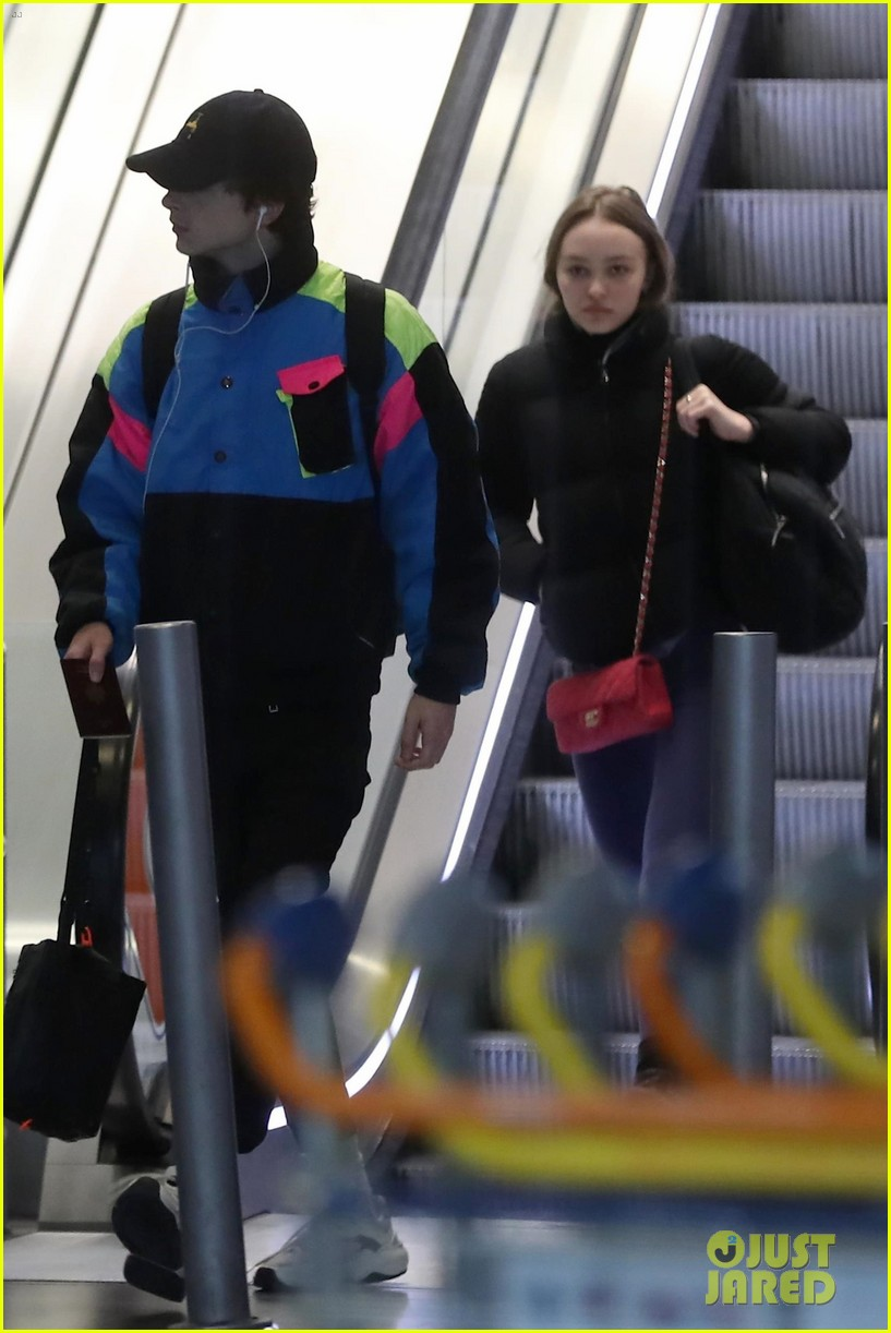 timothee-chalamet-lily-rose-depp-france-for-the-holidays-05.jpg