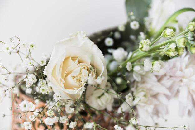 close-up-of-wedding-bouquet_23-2147975503.jpg