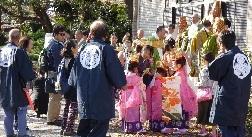 7-5う稚児行列 記念写真ー3
