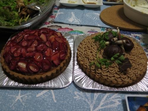 リンゴ(紅玉)のタルトと和栗のモンブラン