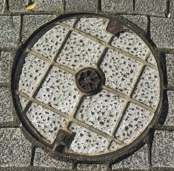 大阪市制水弁マンホール