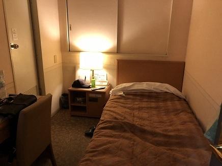 11112018 水月ホテル鴎外荘狭い部屋2f3220 S