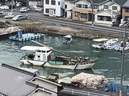 12222018 牡蛎の水揚げ船 S