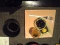 デザートの柿ゼリー、栗羊羹、種無しに見えて実は種だらけの葡萄w