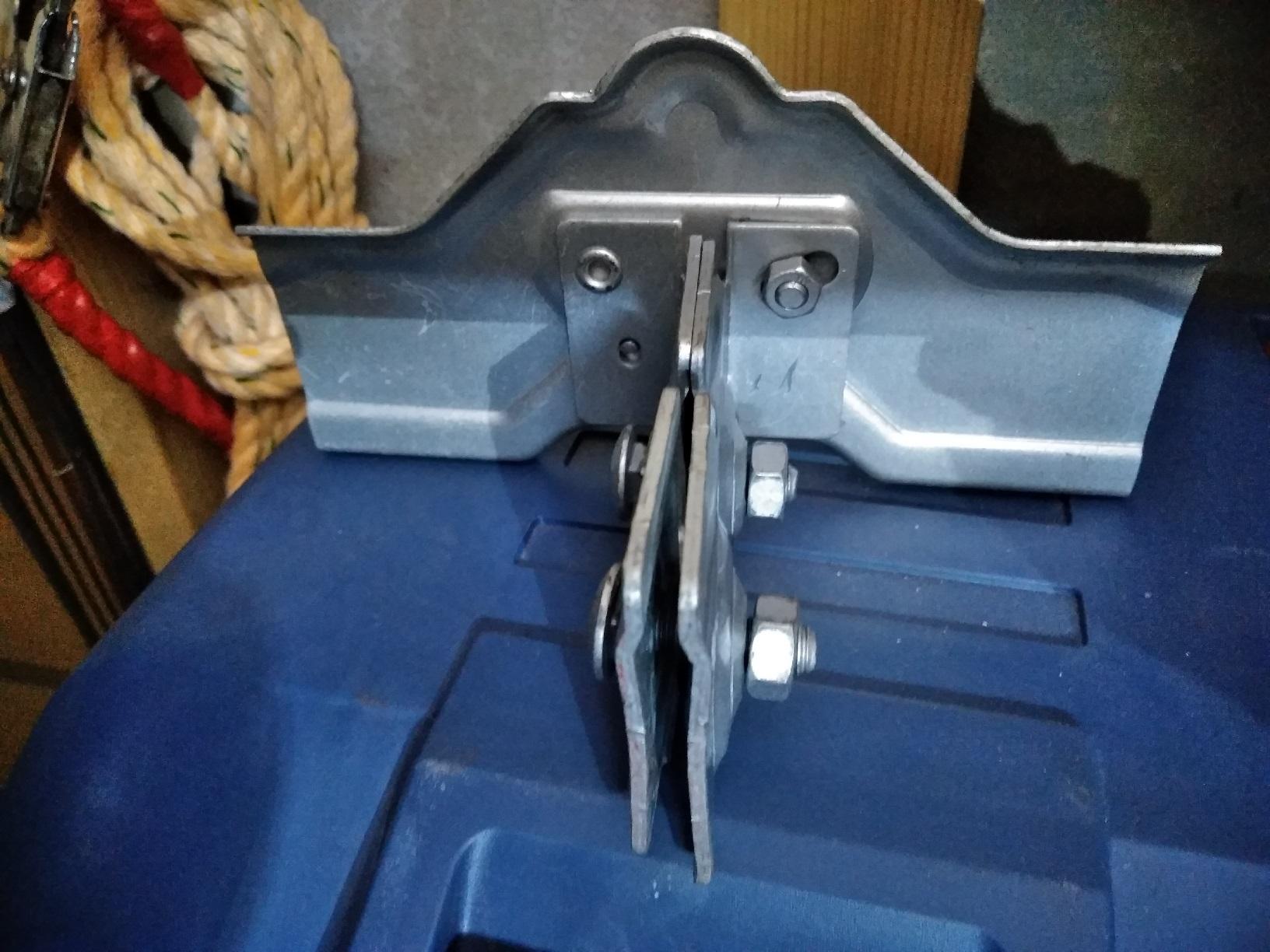 雪留金具2 足場繋ぎに使用