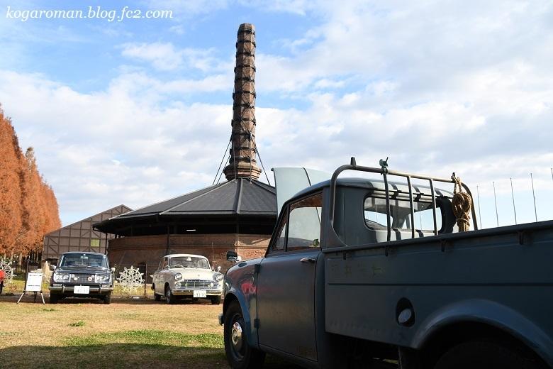 煉瓦窯でクラシックカー