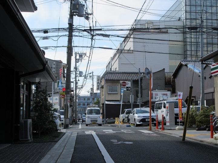 606-26-a.jpg