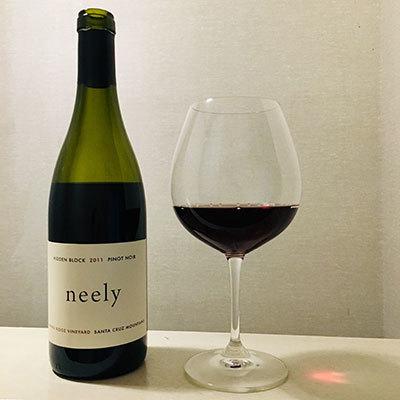 Neely_Hidden_Block_Pinot_Noir_2011