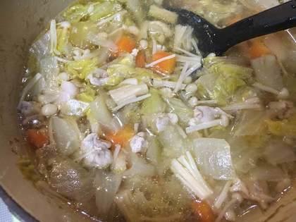 豚肉と白菜のコンソメスープ