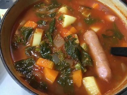 セロリたっぷりトマトスープ