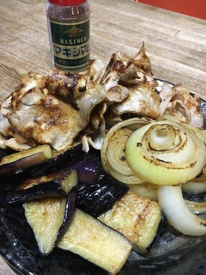 マキシマムで薄切り豚肉と野菜のソテー