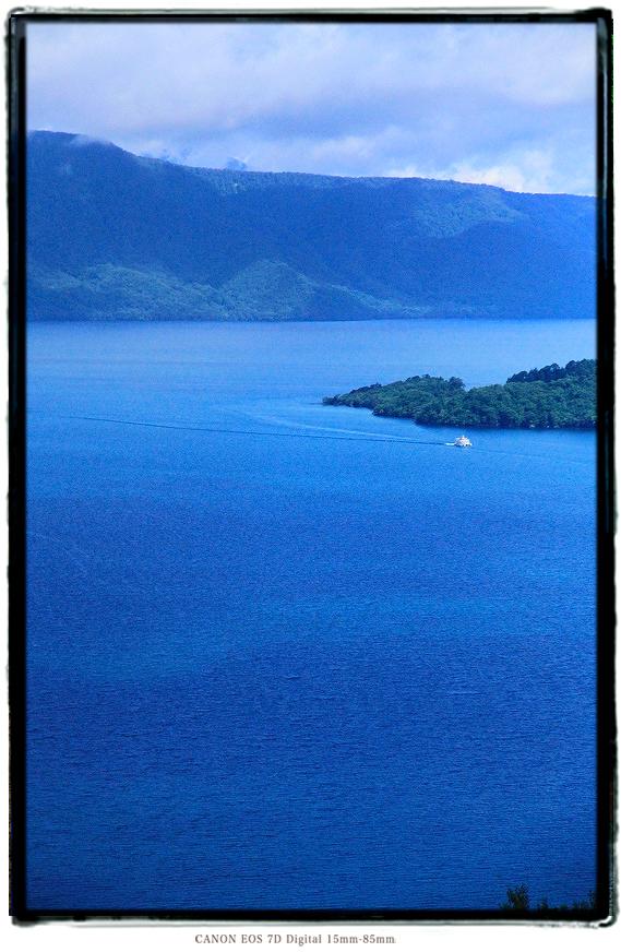 十和田湖1808towadako01.jpg