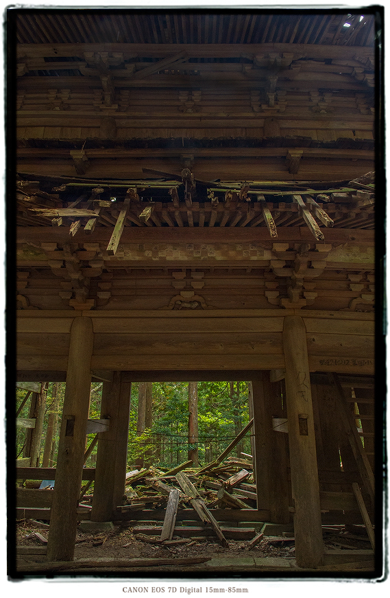 子馬寺廃墟1810ruinedtemple018.jpg