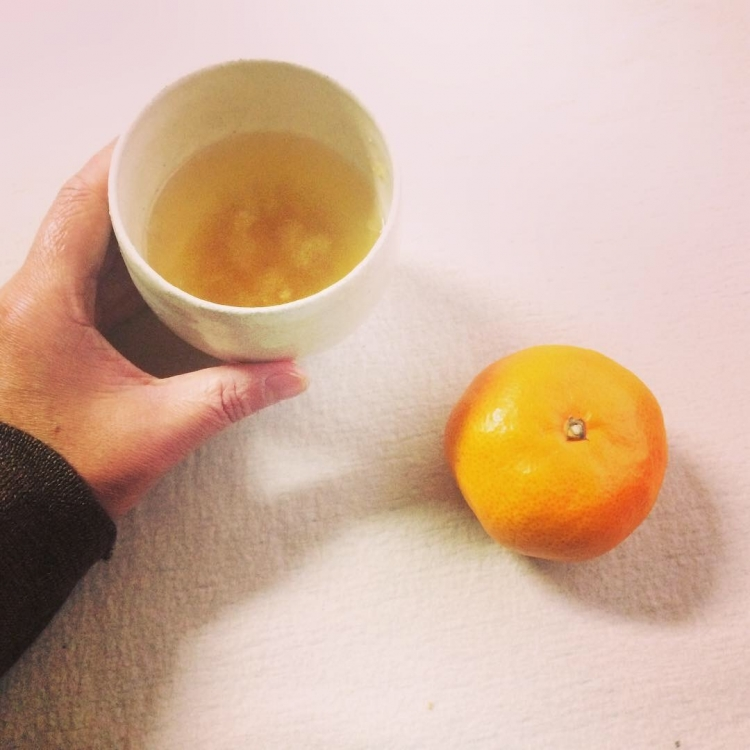 韓東秀/湯呑で柚子茶