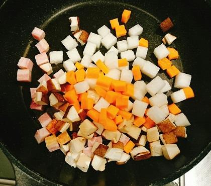 角切り具材のラーメン炊き込みご飯1