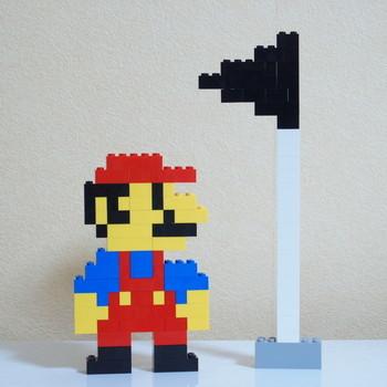 レゴでマリオと旗