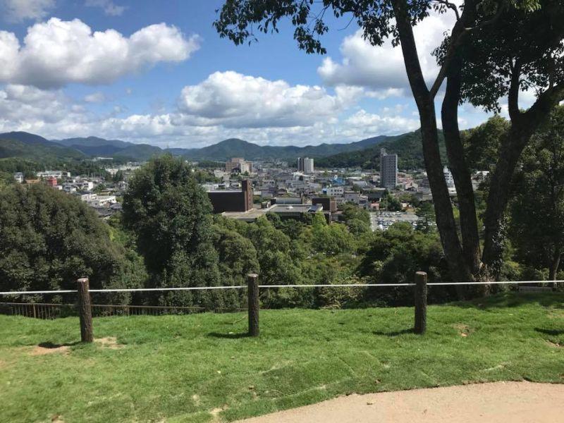 亀山公園山頂広場の完成式典