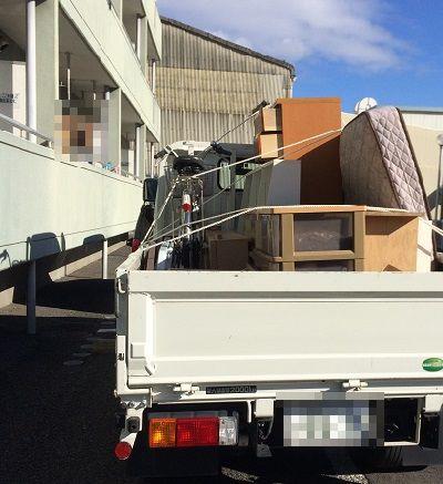 借りたトラック前 (2)