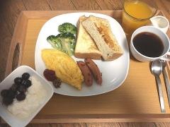 IMG_181014_2190 友人の誕生日祝いの食パンを使った朝食_VGA