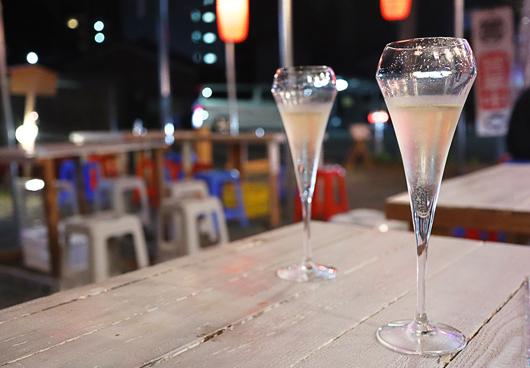 20_スパークリングワインで乾杯
