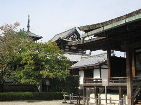 6 法隆寺五重塔方面