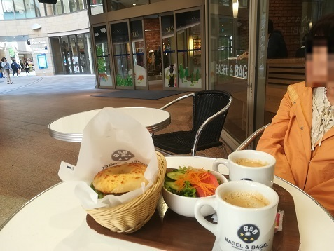 5 なんばパークス オープンカフェで軽い昼食