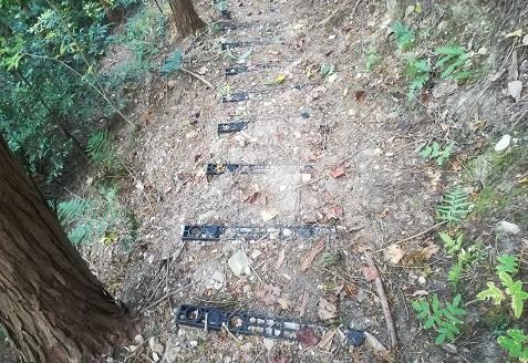 14 プラスチック製の階段