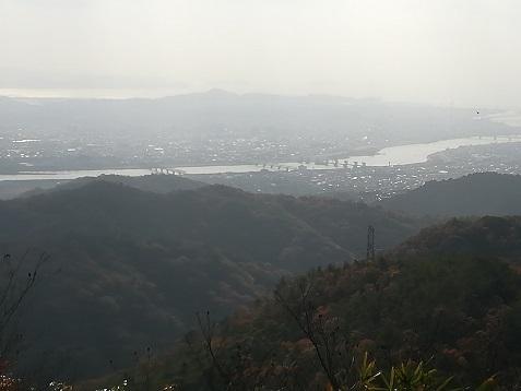15 青少年広場からの紀ノ川を望む