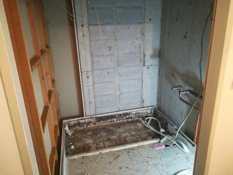 8 浴槽の撤去