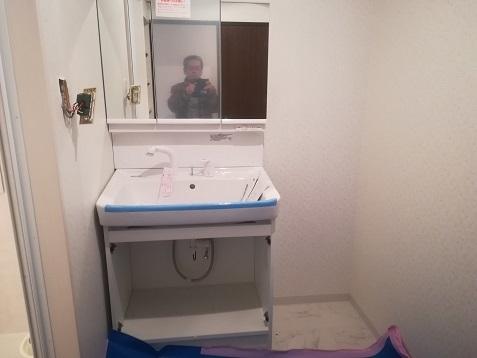 1 洗面室の工事中