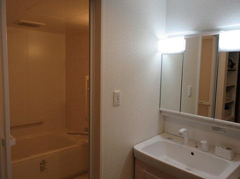 7 浴室と洗面室