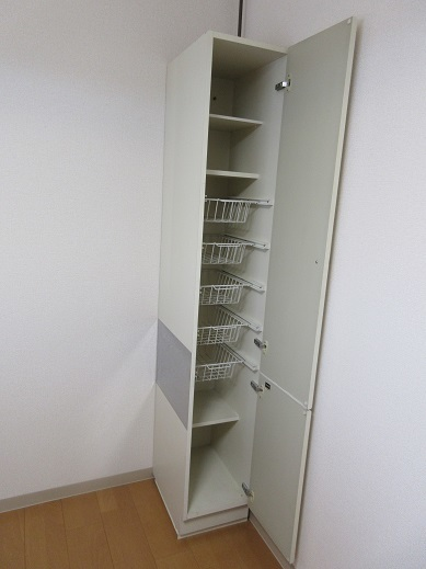 4 内部の棚も清掃