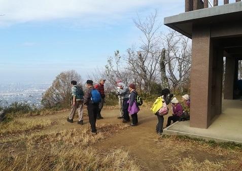8 飯盛山頂上の展望台