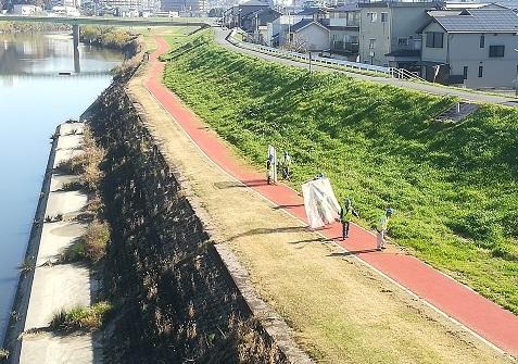 4 河川敷の草刈り