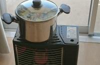 ストーブにかけた鍋