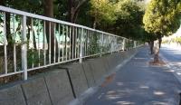 高校のフェンス