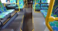 連結バス車内