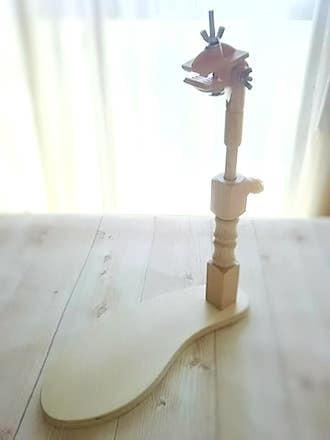 台座付き 刺繍枠用木製スタンド