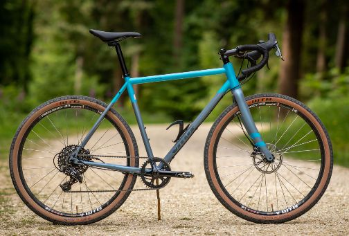 Vitus-Substance-V2-Gravel-Bike-Apex1-Adventure-Bikes-Blue-Grey-2018-5057567011548-0.jpg