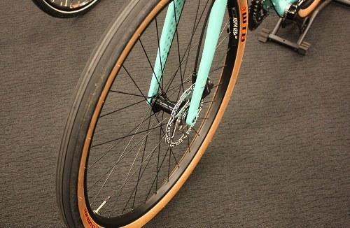 White Wall Duro 700x25c Road City Fixie Single Speed Urban Bike Bicycle Tires