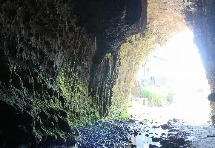 300万年の歴史が物語る神秘の洞窟 30 11 10