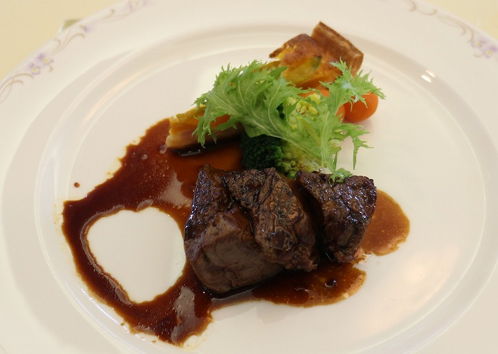 国産牛フィレ肉のソテー生姜ソース 30 12 12