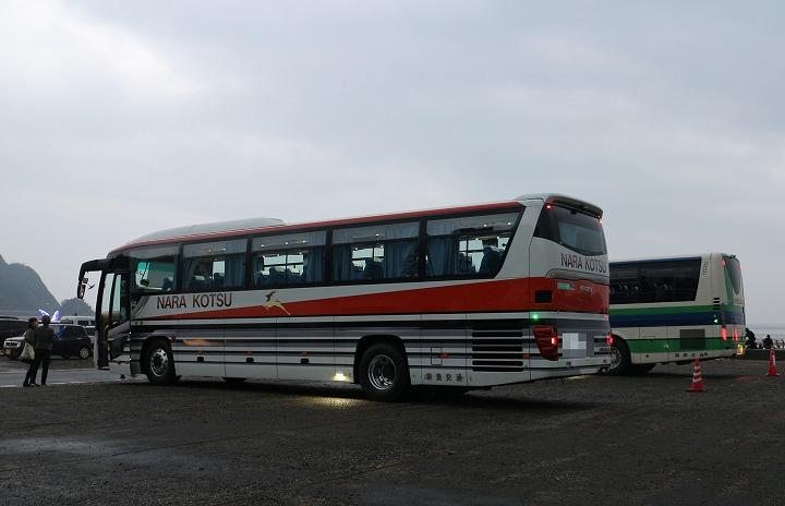 奈良など県外からの観光バス 30 12 23