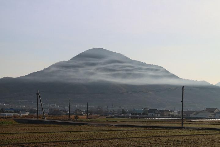 火上げ山に不思議な雲 31 1 30