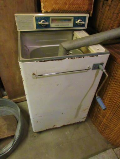 011  手回し洗濯機(1)