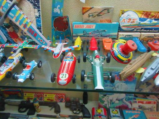 012  ブリキのおもちゃ(1)