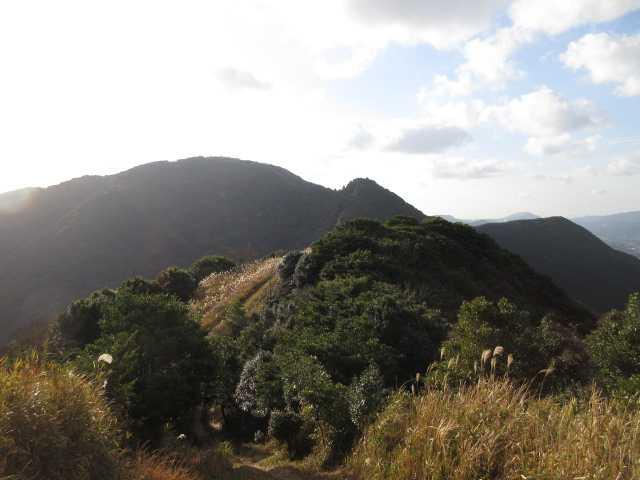 IMG0012JPG正面に妙見山足立山