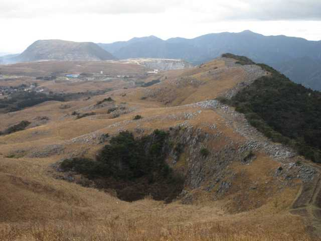 IMG0057JPG小穴と大平山