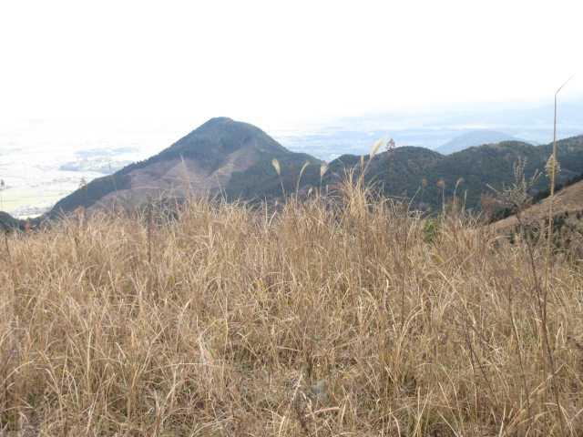 IMG0038JPG振り向くと朝登った塔ヶ峰が